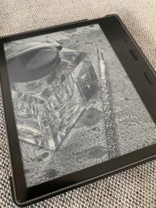 Kindle Oasis 第10世代レビュー①:シリーズ最大の7インチディスプレイ