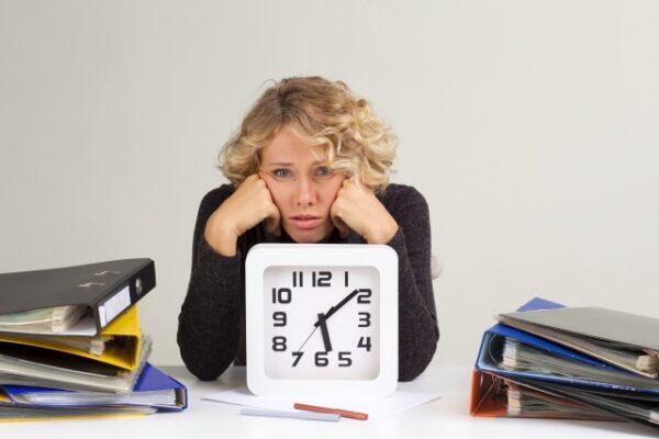 5.仕事が忙しすぎて辞めたいときの注意点